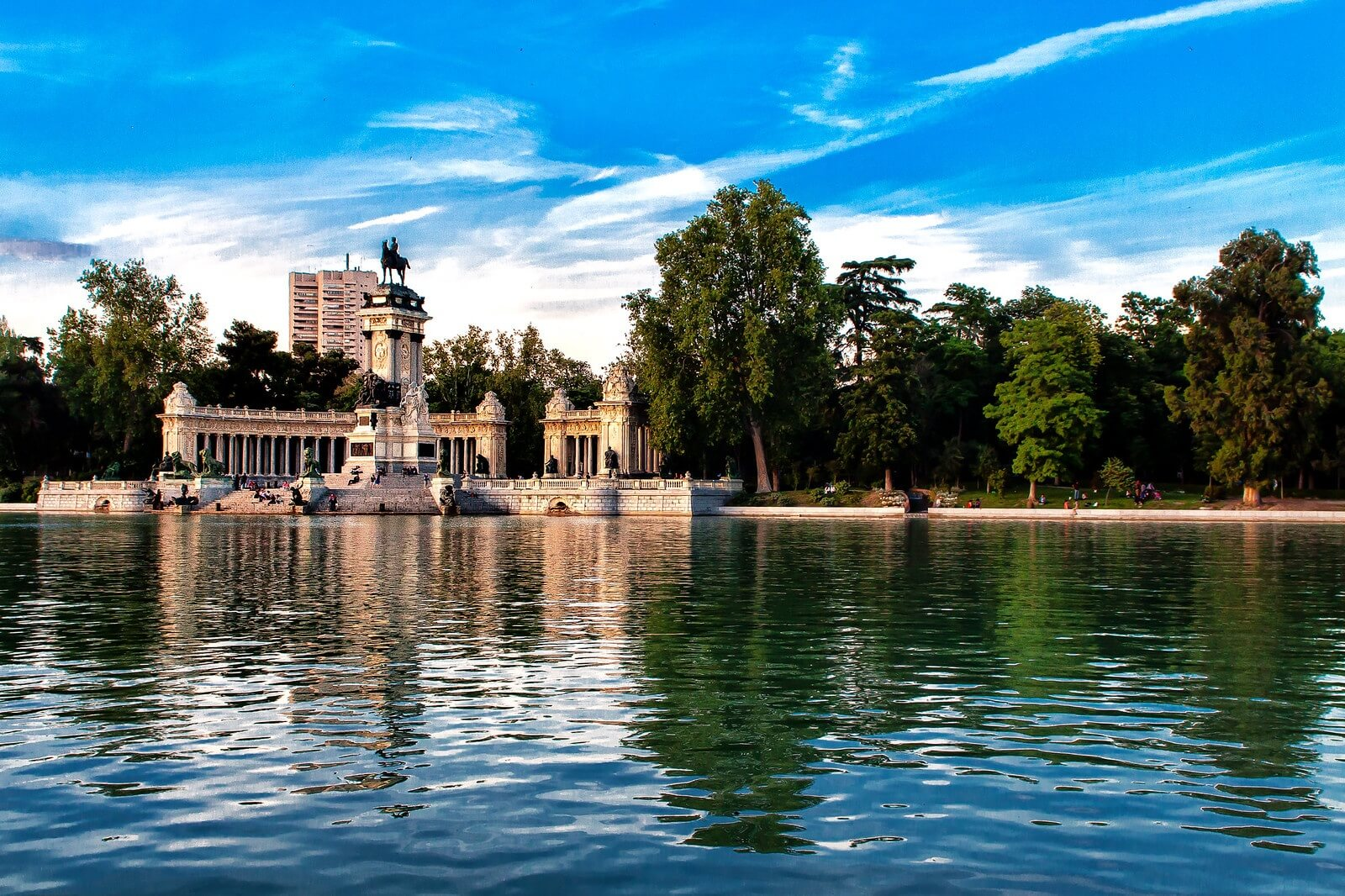 Top 10 virtual tours of Spain - 5. Retiro Park