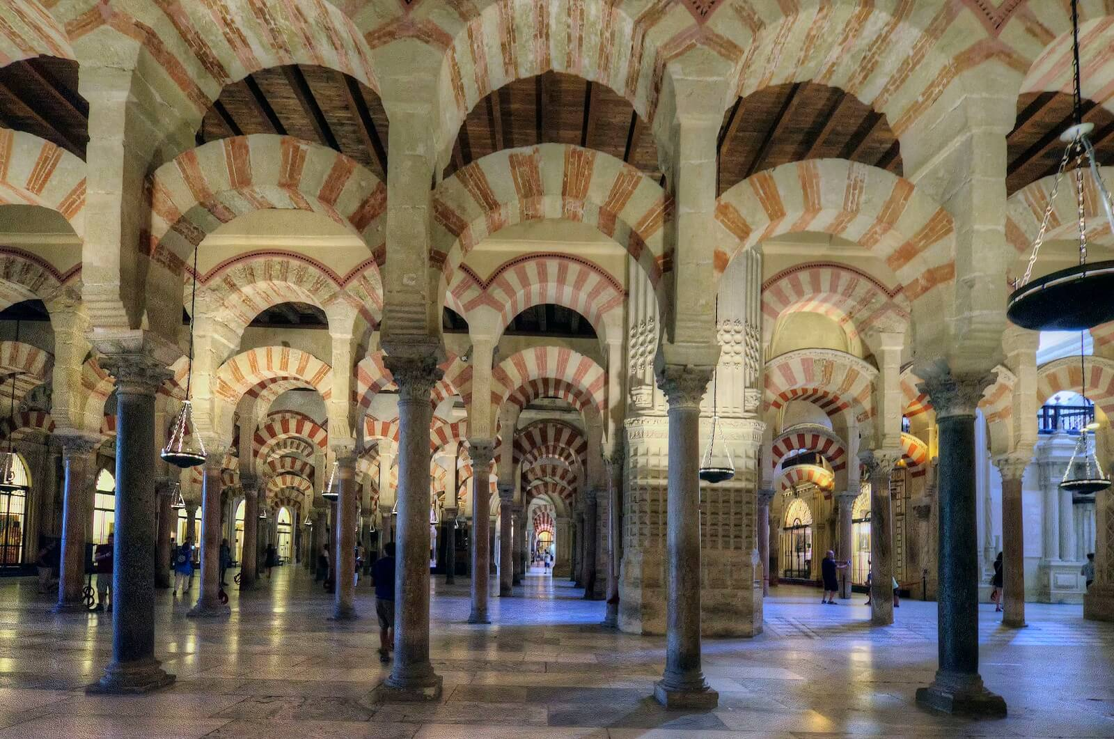 Top 10 virtual tours of Spain - 7. Mezquita (Mosque) of Cordoba