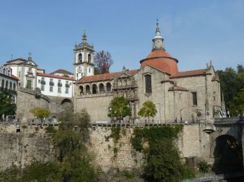 Deluxe Chauffeur Driven Tour to Porto and Douro wine region from Lisbon