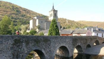 Camino de Santiago Tour from Bilbao Independently Walking with support of a Chauffeur