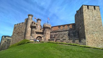 Green Spain: From Galicia to the Basque Country staying in Paradores