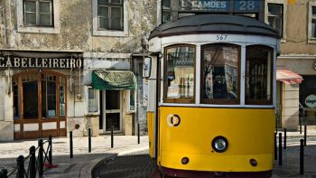 Lisbon City Monumental Private Tour with Wine Tasting