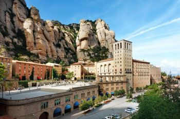 Montserrat Monastery and Artistic Modernist Barcelona Coach Group Tour