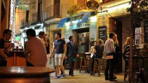 Private Tapas Food Tour in Zaragoza