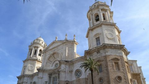 Cadiz Panoramic City Tour and Monumental Old Quarter
