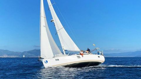 Customized Charter Sailing Vacations in Galicia Spain