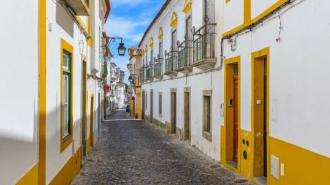 Evora Monumental City Tour & Wine Tasting