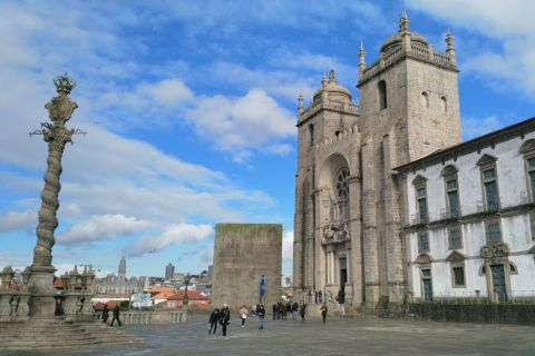 Monumental Walking Tour in Porto