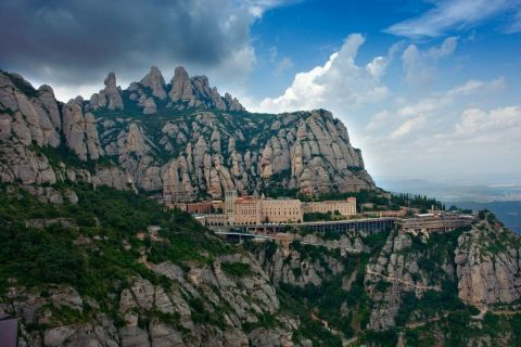 Full Day Private Excursion to Montserrat & Wine Country