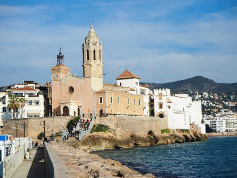 Montserrat Monastery, Torres Winery and Sitges Coast Coach Tour from Barcelona