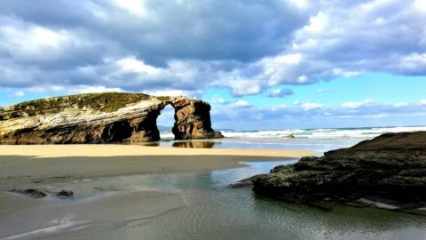Private Excursion to Roman Lugo and Catedrales Beach from Santiago