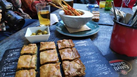 Evening Gourmet Food Tour of Vigo`s old quarter