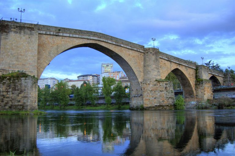 Ourense Roman Bridge and Old Quarter Walking Tour