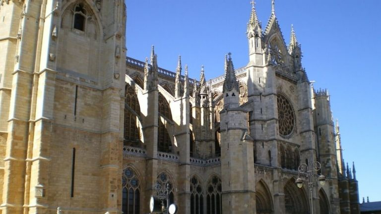 Leon Pilgrimage Cathedral and Historic Old Quarter Walking Tour