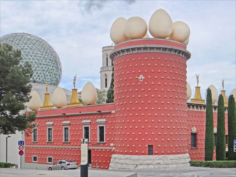 Girona and Salvador Dali Theatre Museum