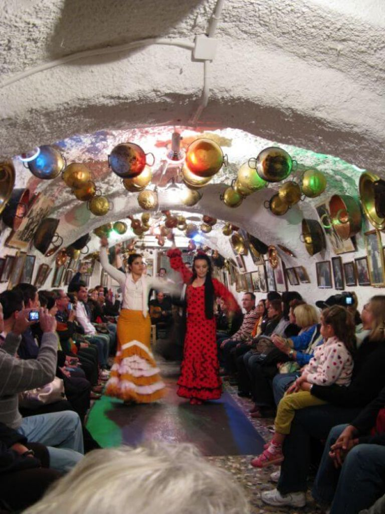 Live Flamenco Dancing Performance in the Cave of Venta el Galllo with dinner and walk of Albaicin