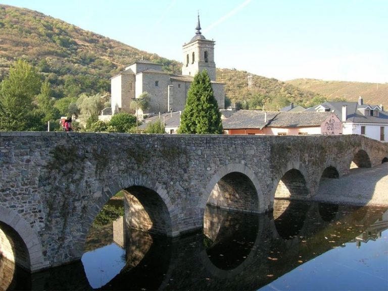 Camino de Santiago Tour from Bilbao by Self Drive and Independently Walking with local guides