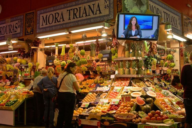 Private Group Cooking Class and Triana Market visit in Seville