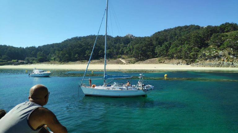 Sailing Day Trip to the Cies Islands in a Luxurious Private Yacht