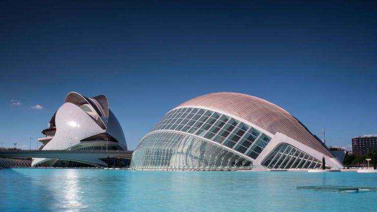 The Modern and Historic Monumental Contrasts of Valencia
