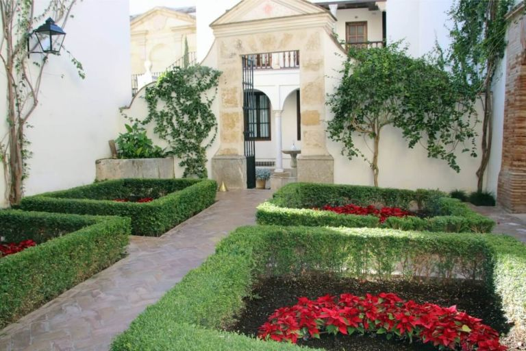 Customized Tour of Cordoba New Years Stay from Madrid