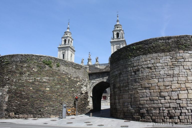 UNESCO Roman Walls, Cathedral and Old Quarter of Lugo Walk Tour