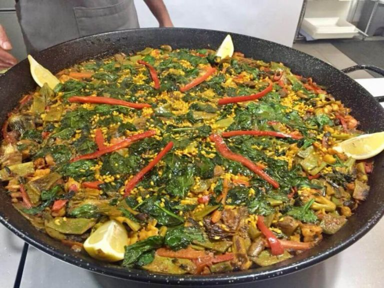 Private Paella Valenciana Cooking Class in the Old Quarter of Valencia